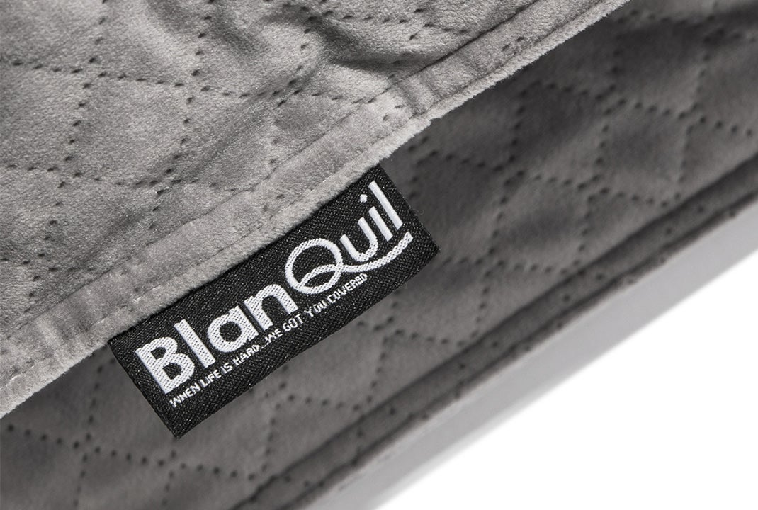 blanquil's weighted blanket - corner tag